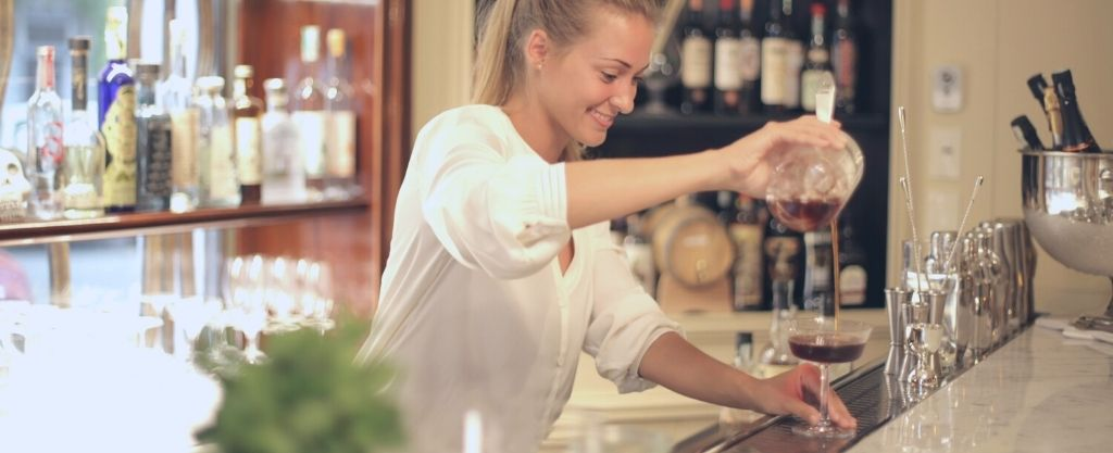 Small businesses such as cocktail and wine seller can effectively sell and manage customer when equipped with a comprehensive VoIP solution